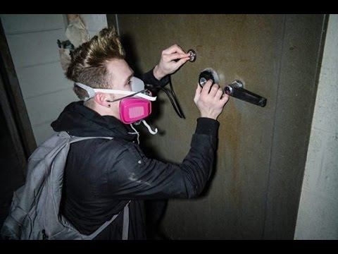 Abandoned ASYLUM FOUND MORGUE AND A VAULT!