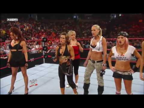 WWE RAW 21/04/2008│Mickie James Women
