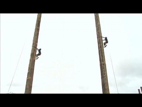 شاهد: بطولة العالم للتسلق على الأعمدة الخشبية العالية  - 16:53-2018 / 9 / 23