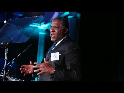 Distinguished Leadership in Business Award: Robert F. Smith '94