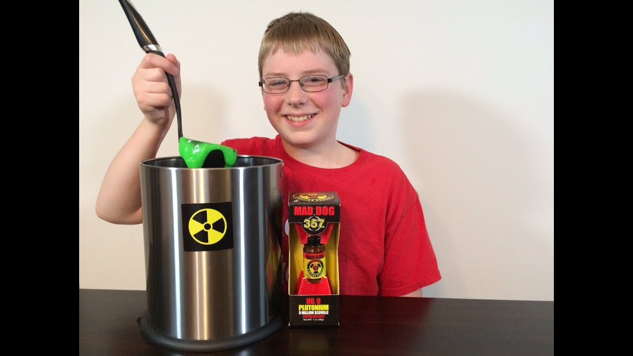12 yr old eats plutonium 9 million scoville mad dog 357 crude