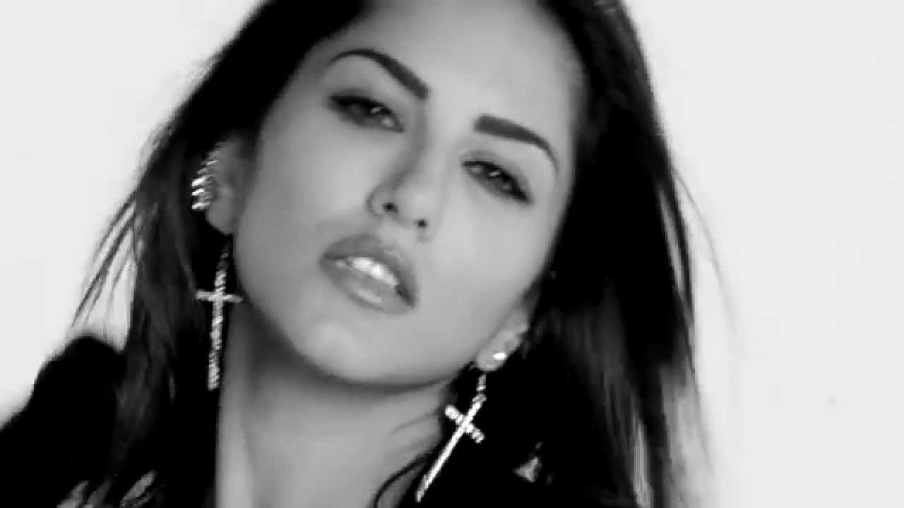 Sunny Leone Black And White Hot Pictures Wallpapers  -5419