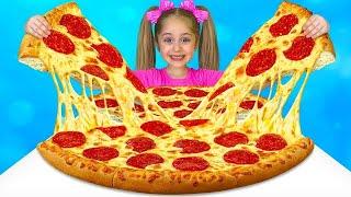 أنيتا تغني أغنية عن البيتزا وتطبخ الطعام في مقهى ألعاب ميكي ماوس   حضانة بيتزا سونج القوافي