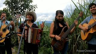 Vuelve Gaviota - Laurita Urbano