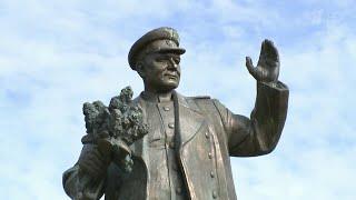 Президент Чехии шокирован решением пражских властей перенести памятник маршалу Коневу.