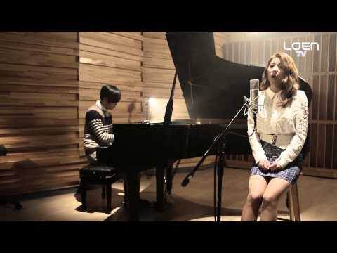 LIVE : Ailee(에일리) _ My Grown Up Christmas List (Piano Vocal Live Ver.) [ENG SUB]