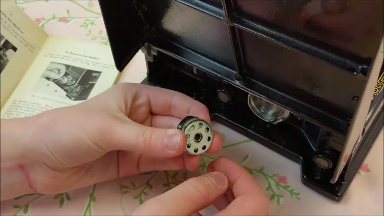 How To Correctly Use A Featherweight Bobbin Case Getting Know Singer 221 K Sewing Machine Threading Diagram Your Part 2