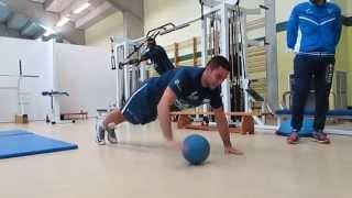 Video Planchas con balón medicinal de Álex López