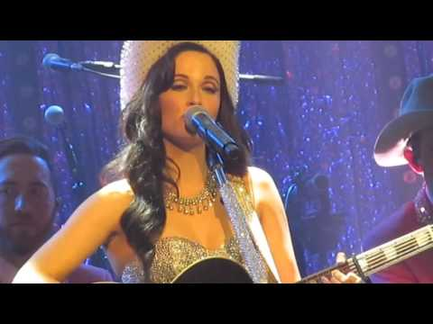 Kacey Musgraves - Cup Of Tea (Live in London, England)