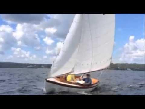 Herreshoff 12 sailing