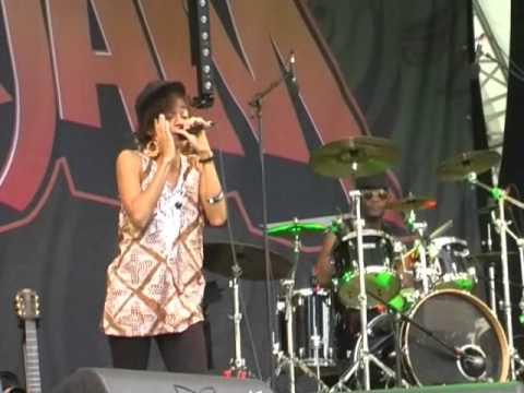 Nneka - Africans - Summerjam 2012