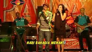 Deviana S feat Rama B - Setangkai Anggrek Bulan (Official Music Video)