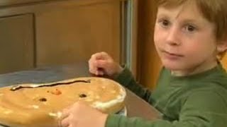 Chef And Students Cook Halloween Cake And Cheesy Meatloaf - Bbc