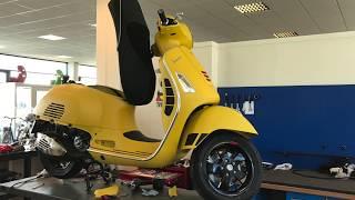 Vespa GTS 300 Super 2017 Matt Yellow