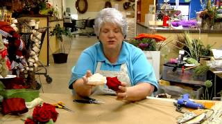 Donna's Tips: Roses of Satin Ribbon and of Burlap