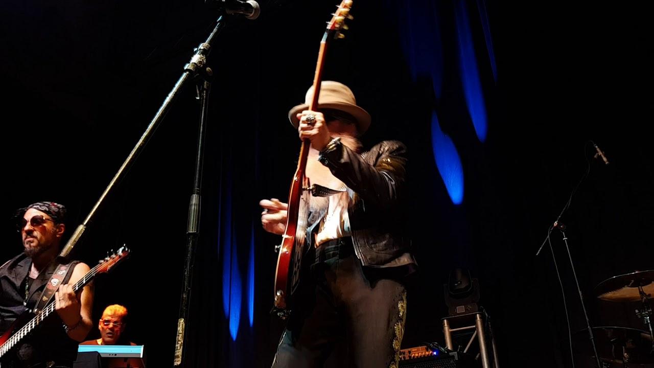 Billy F. Gibbons w/ Supersonic Blues Machine - Dust My Broom (Casino Zollverein, Essen, 11.07.2018)