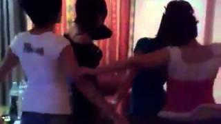 رقص 4 بنات كويتيات - Videos - ChordsCenter.flv