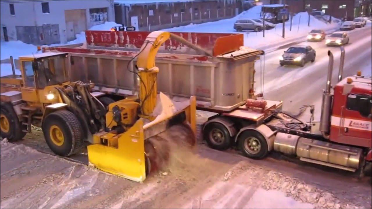Snow Thrower Truck : This is how you plow the roads giant snow blower semi