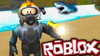 diving with the sharks in ROBLOX 😱 🦈