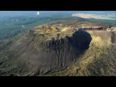 hqdefault - Les volcans :Le Merapi