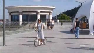 видео Городские самокаты — маневренные самокаты на больших колесах