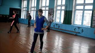 Урок фізкультури в 10 класі Новочорторийської ЗОШ