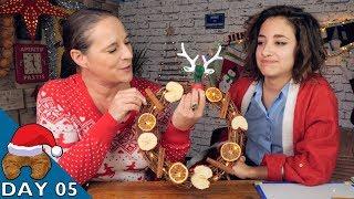 Decorating the French Christmas Wreath - La Couronne de Noël