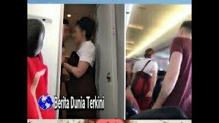 Download Video Bercinta di Toilet Pesawat, Suara Pasangan Ini Bikin ........ MP3 3GP MP4