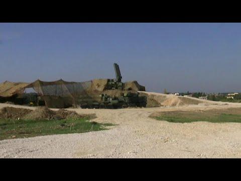 В Сирии российские военные отразили атаку беспилотников на авиабазу Хмеймим.