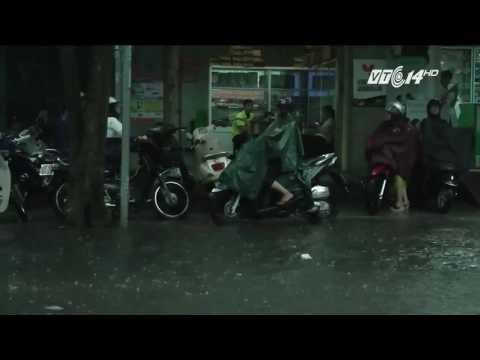(VTC14)_TP HCM mưa lớn cục bộ ở các quận trung tâm