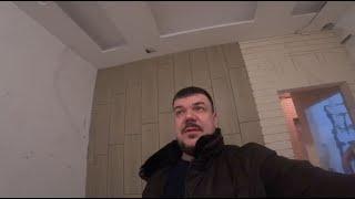 Ремонт квартиры на Крестовском острове. Обзор 2-х комн. квартиры: потолок, каф. плитка, отопление.