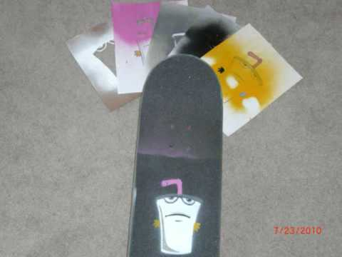 Spray paint master shake griptape youtube for Spray paint designs with tape
