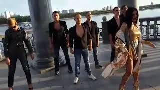 """Двоник Ольги бузовой сняла клип-пародию на песню """"Мало половин"""""""