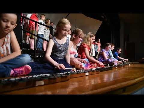 Tilford Elementary School Third Grade concert in Vinton, Iowa