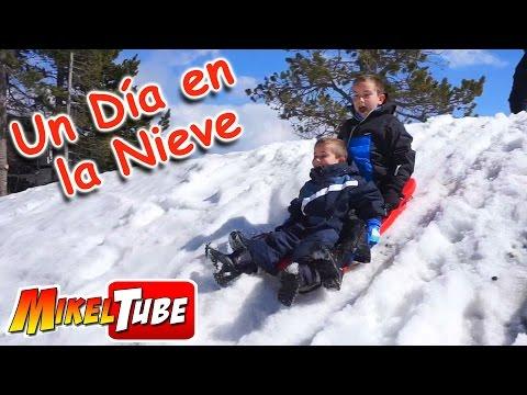 Juegos en la nieve : Guerra de bolas, Trineo, muñeco de nieve  - Vlog. MikelTube