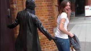 Самые смешные фотки со статуями
