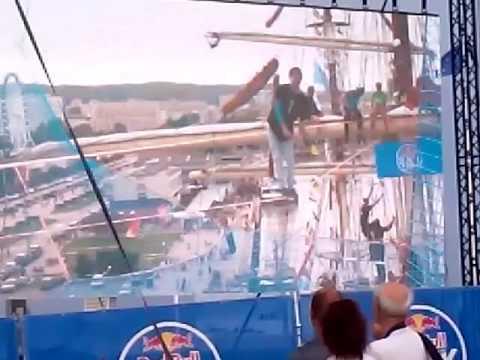 Gdynia Red Bull Slackship, zawody trickline Dar młodzieży 19 08 2017 seria druga