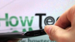 Acer Iconia Tab A500: Plugging in the Micro USB Cable