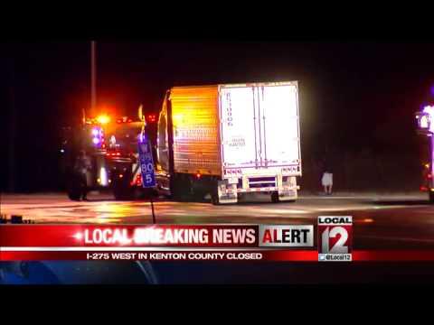 I-275 WB shutdown in Kentucky after car hits light pole