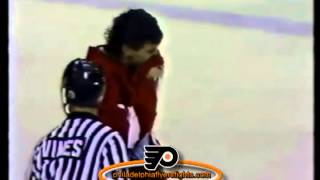 079 Jan 15, 1989 Bob Probert vs Jeff Chychrun Detroit Red Wings vs Philadelphia Flyers ROUND2