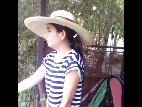 Kha Ly giản dị câu cá cùng bạn bè