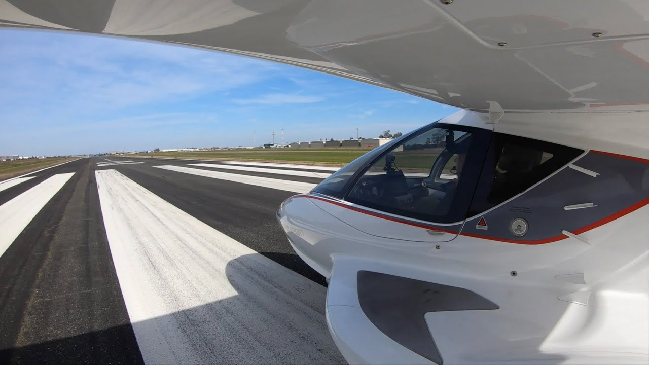 How to Take off and Land on a Runaway in the ICON A5