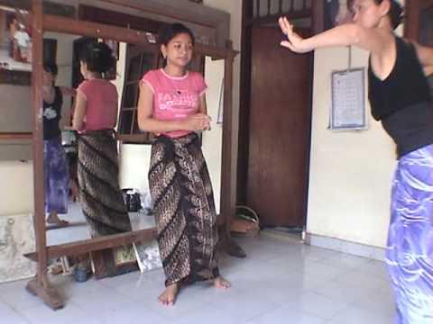 iPhone soft(Power Ubud) Yuliati dance training 6