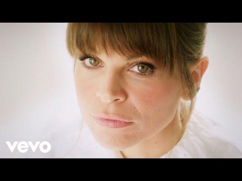 Alessandra Amoroso - Forza e coraggio (Official Video)