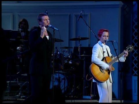 Dolores O'Riordan & Simon Le Bon -Linger (live 1995)