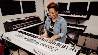 Avery*Sunshine x Yamaha MONTAGE8 White | Artist Profile | The Pianist