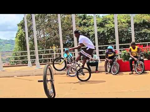 Frenchkind - New Streets (BMX in the Streets of Yaoundé)