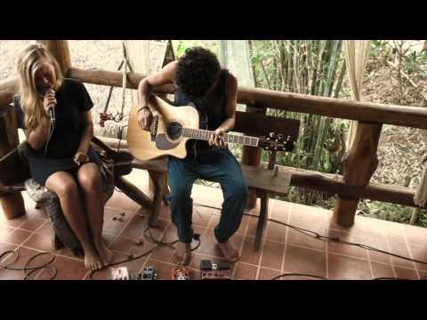 Cyclone Sticky Fingers Guitar Loop Cover by Signe & Hvetter