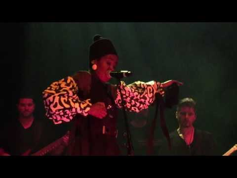 Lauryn Hill  |  Turn Your Lights Down Low (Bob Marley cover)  |  Live in Vancouver