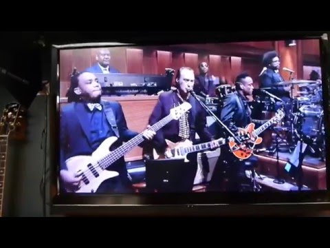 The Kinks Dave Davies on Late night TV with the Roots